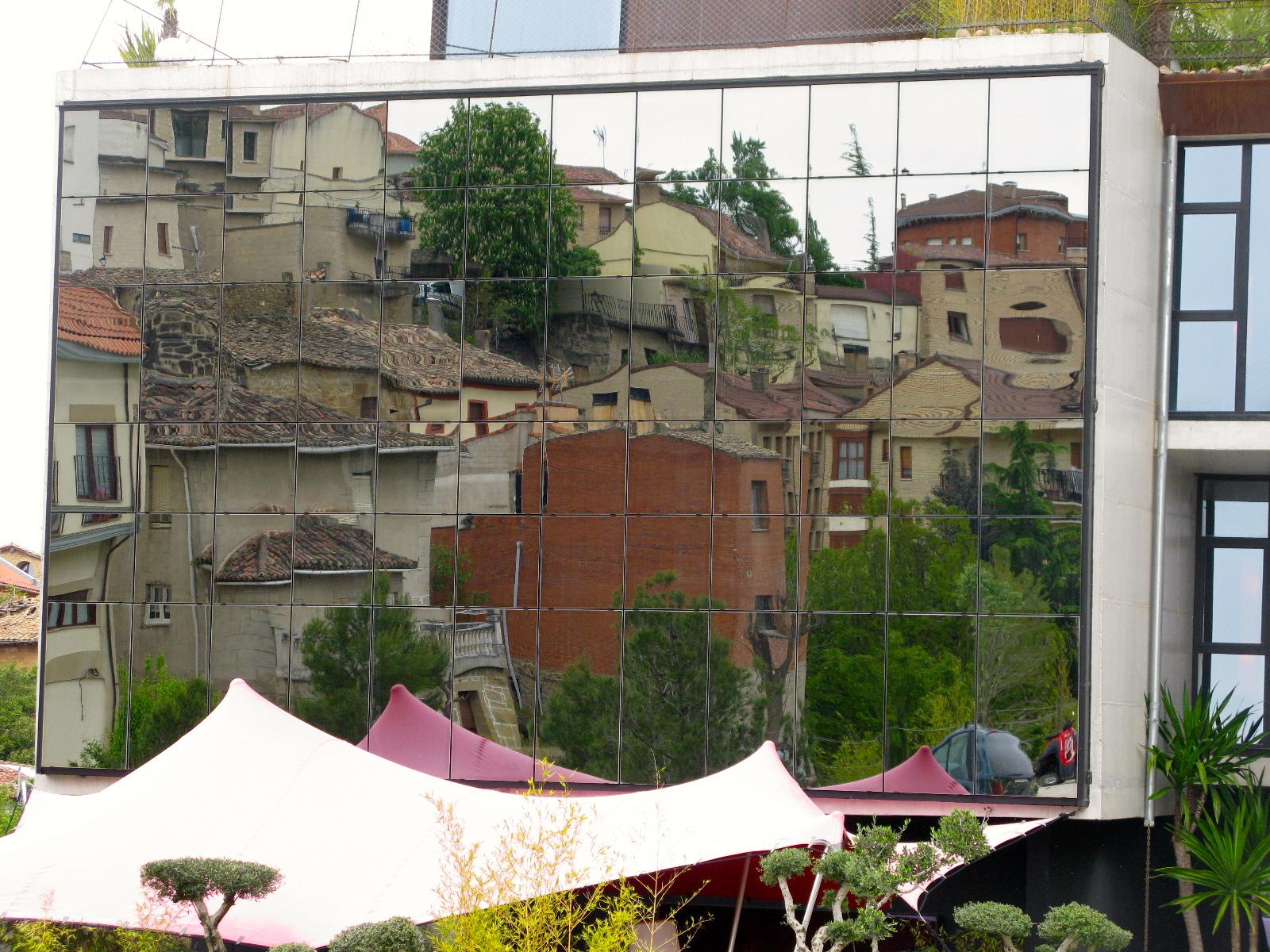 The wines of rioja lifebylyle for Villabuena de alava
